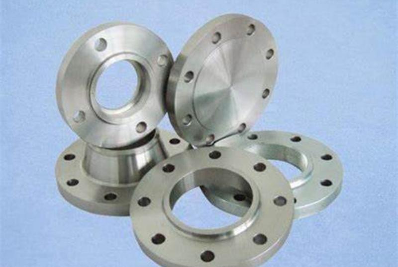 不锈钢风管加工厂:不锈钢板法兰安装必须注意什么?